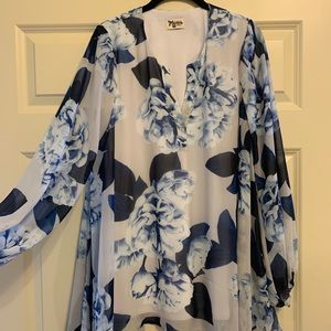 Show me your mumu Jamie tunic bouquet blue.